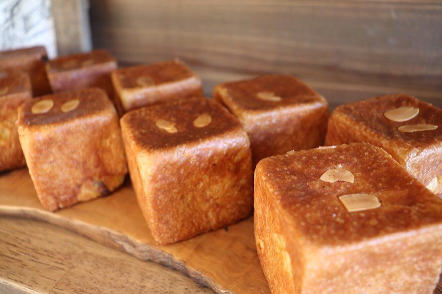 焼き立てパン豊富に取り揃えております(2019.05.03)