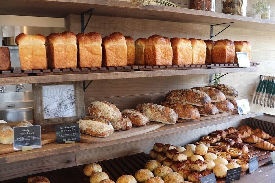食パンは、午前と午後の2回(9時半、13時半~14時)焼かせて頂いています(2019.06.06)