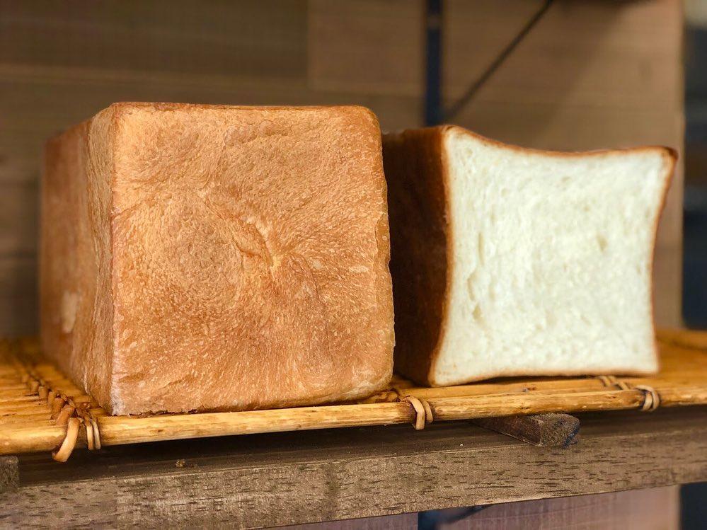 食パンは、午前と午後の2回(9時半、13時半~14時)焼かせて頂いています(2019.06.11)
