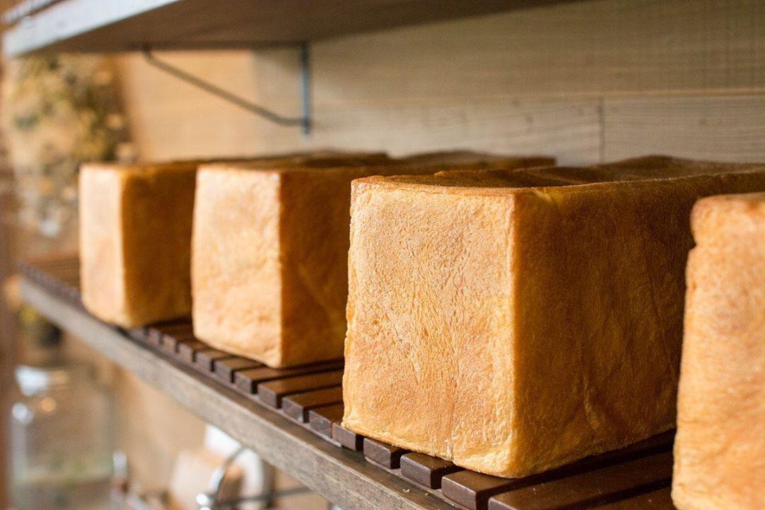 食パンは、午前と午後の2回(9時半、13時半~14時)焼かせて頂いています(2019.09.08)