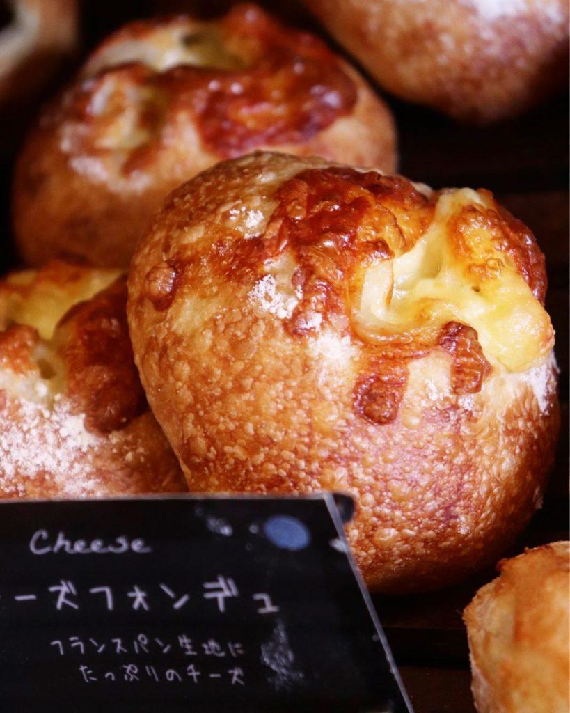「チーズフォンデュ」「博多めんたいこ」は11時半ころからから随時焼き上がってまいります(2019.11.28)