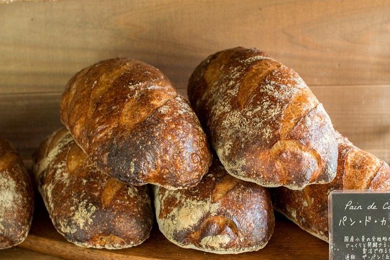 11時半頃からハード系パンが焼き上がっています(2020.02.29)