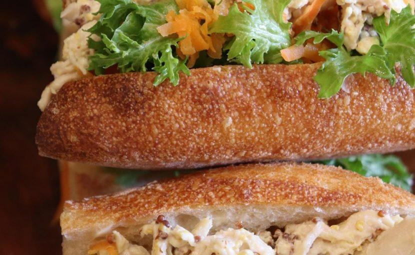 バゲットサンドは8時から、サンドウィッチ類は11時半ころからご用意させていただいております(2020.03.08)
