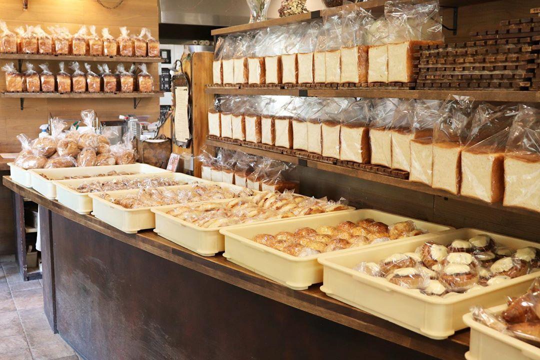 通販用のパンを焼いていると、お店の中が普段とは全く違う雰囲気になります(2020.05.03)