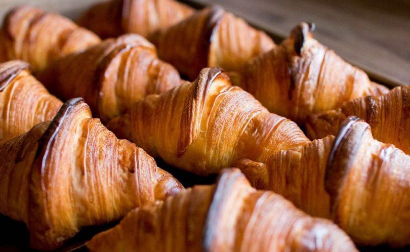 お休みをいただいている土日は、通販商品の「丘パンのプレミアムセット」を焼いてまいります(2020.05.16)