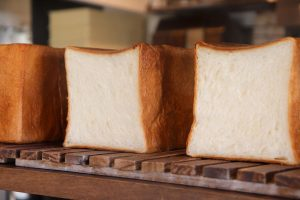 好評いただいております、食パンは、1日2回焼かせていただいています(2020.05.22)