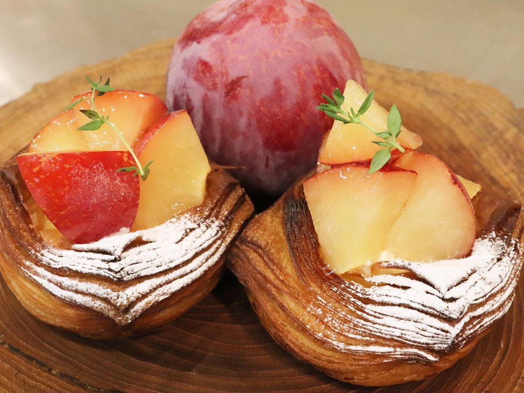 季節限定のさくらんぼ(紅秀峰)とグレープフルーツのデニッシュは今週終了予定です(2020.07.30)