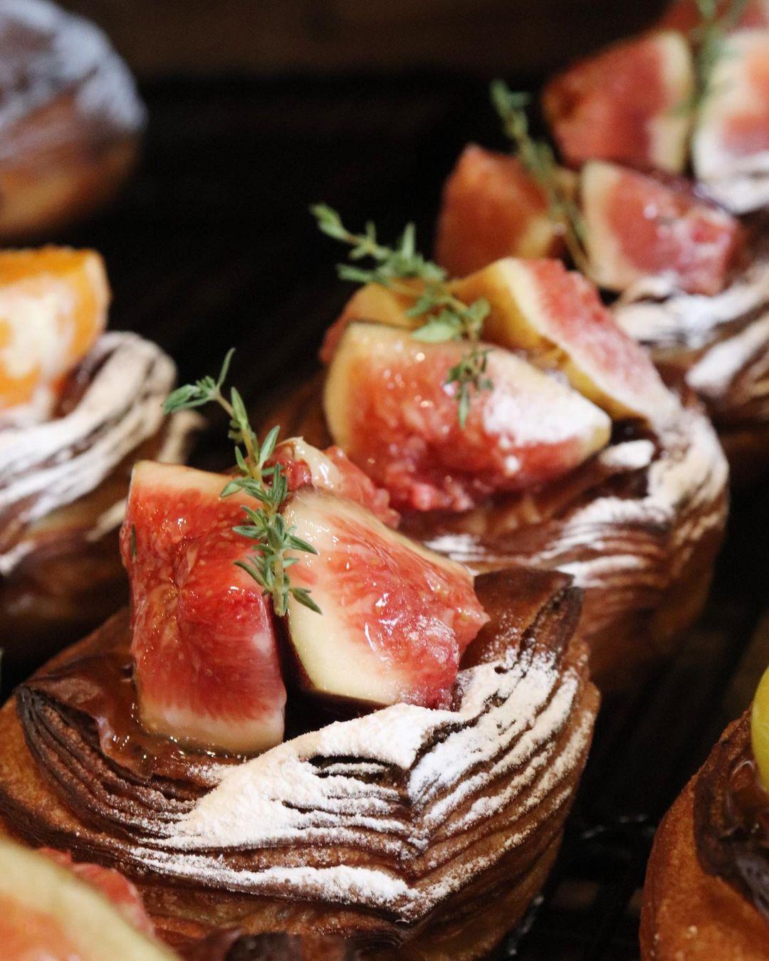 青葉ファームさんの無農薬の無花果のデニッシュ、安納芋デニッシュ他たくさんのデニッシュをご用意しております(2020.10.16)