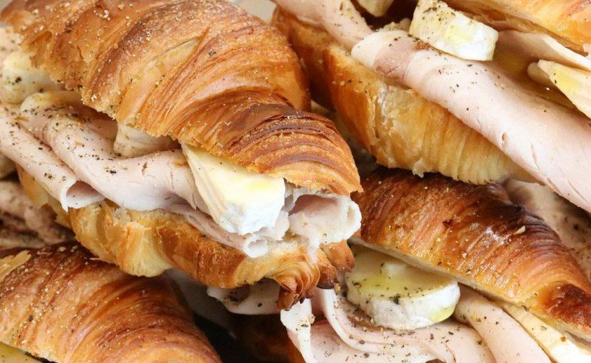 人気のバゲットサンド・サンドウィッチは、10:00~10:30頃に随時ご用意させて頂きます(2020.11.27)