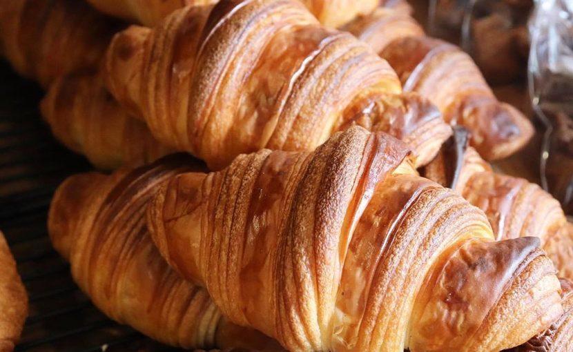 本日諸事情により11時焼き上がりのハード系のパンをお休みさせて頂きます(2020.12.10)