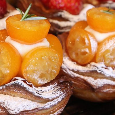 「金柑とクリームチーズのデニッシュ」「とちおとめをつかった苺のデニッシュ」たいへん好評いただいています(2021.01.14)