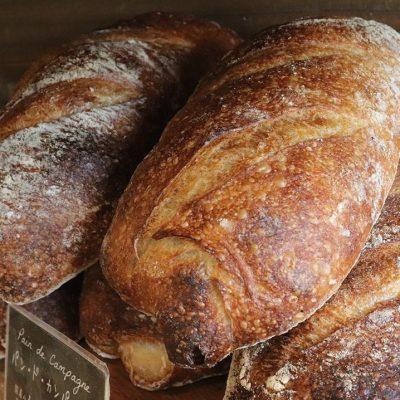 人気のカンパーニュ、食パン、プレミアムブレッドもたくさんお求めいただき本日分も完売いたしました(2021.01.21)