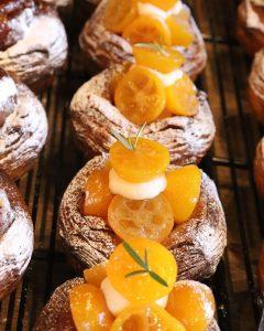 季節限定の「金柑とクリームチーズのデニッシュ」「完熟苺のデニッシュ」本日もたくさんご用意しております(2021.02.17)