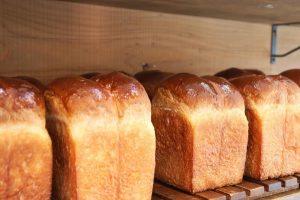 好評いただいております、食パンは、1日2回焼かせていただいています(2021.05.07)