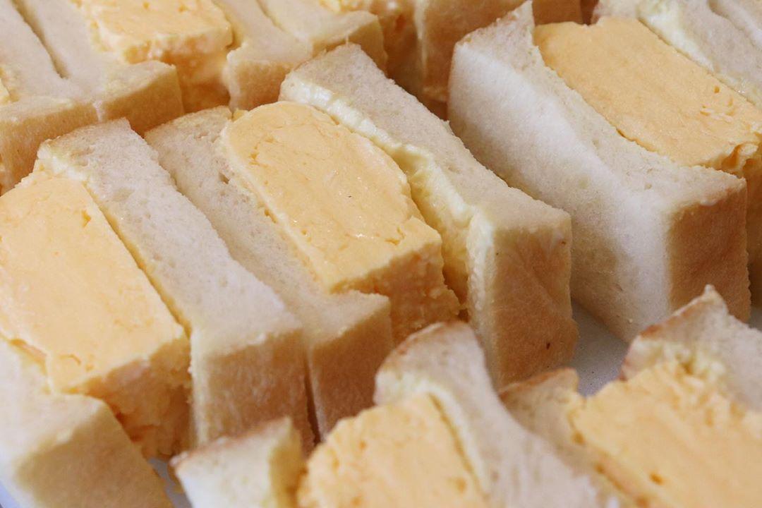 青葉ファームさんの「ワイルドベリー」を使用した季節限定のデニッシュ、他豊富なデニッシュご用意しています(2021.05.08)