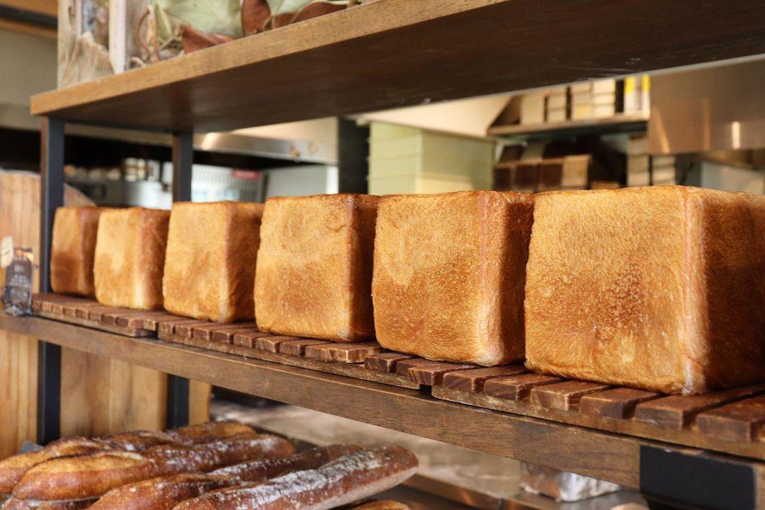 好評いただいております、食パンは、1日2回焼かせていただいています(2021.07.08)