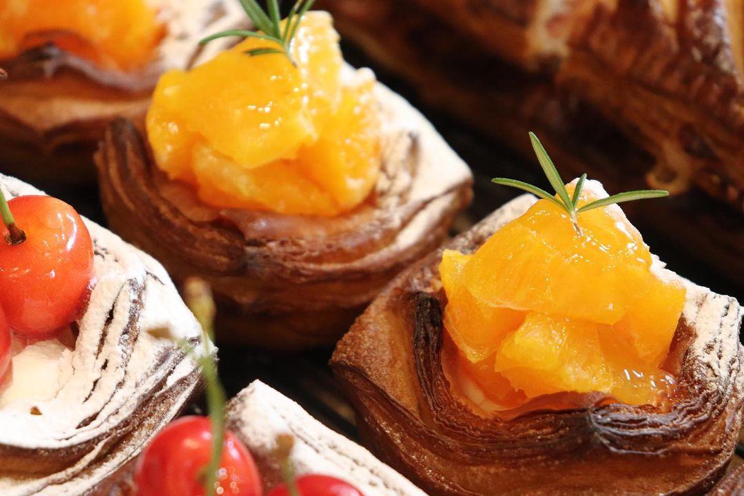 新しい季節限定のデニッシュ「ブルベリーのデニッシュ」「メロンのデニッシュ」「さくらんぼのデニッシュ」「貴陽のデニッシュ」(2021.07.16)