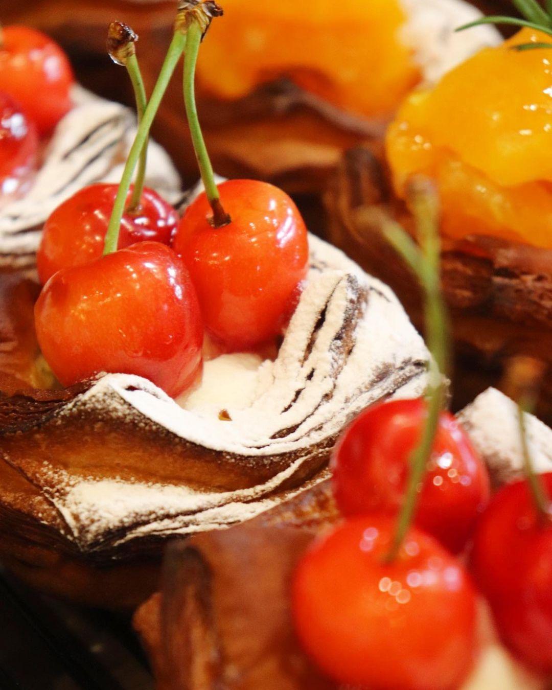 季節限定のデニッシュ「ブルベリーのデニッシュ」「メロンのデニッシュ」たいへん好評いただいています(2021.07.18)