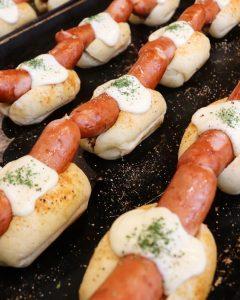 夏の新商品のフォカッチャ・焼きカレーパンたくさんご用意しております(2021.07.23)