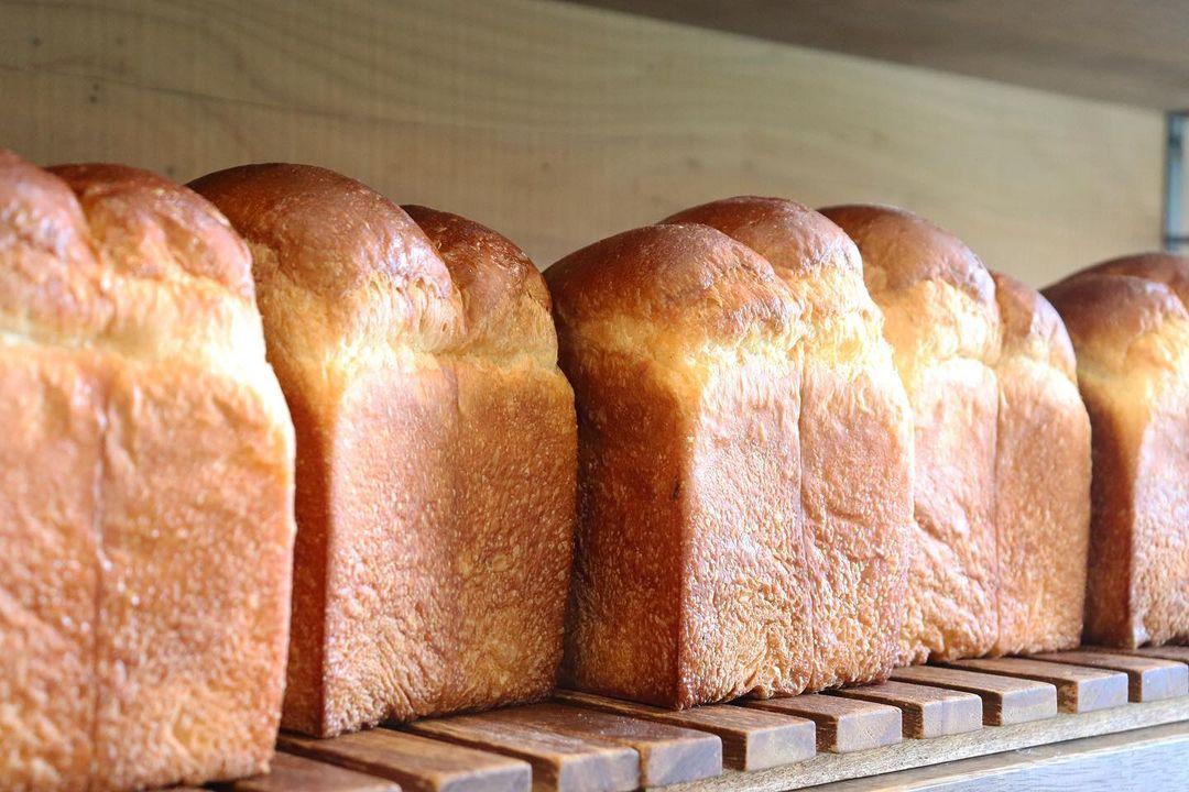 好評いただいております、食パンは、1日2回焼かせていただいています(2021.09.29)